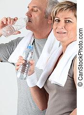 訓練, 恋人, 後で, 水, シニア, 飲むこと
