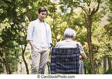 話し, 父, 息子, アジア人, 車椅子, はねるように駆けなさい