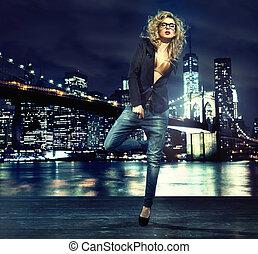 誘うこと, 都市, 上に, 夜, 肖像画, 女性