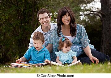 読書, 公園, 家族