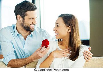 請, 約會, 做, yes!, 年輕人, 漂亮, 說, 提議, 當時, 他的, 女朋友, 戒指, 給