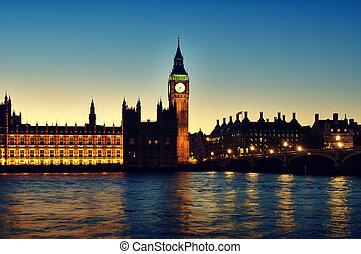 議會的房子, 倫敦
