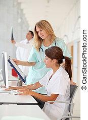 護士, 由于, 拘禁, 工作, 前面, 電腦