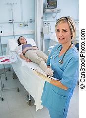 護士, 站立, 在旁邊, a, transfused, 病人