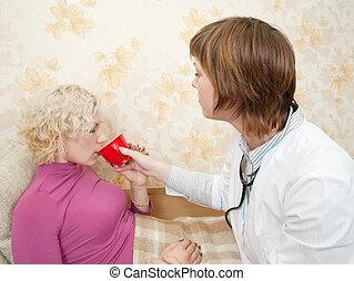 護士, 給, a, 杯子, 到, 有病, 女孩