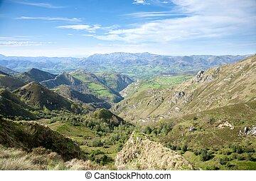 谷, 中に, picos ドゥエウロパ