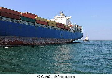 貨物船, ある, 中に, 港