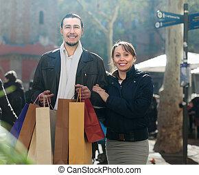 買い物, 中央, 恋人, 微笑, 袋, 年を取った