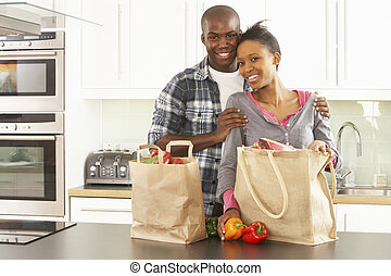 買い物, 恋人, 現代, 若い, 台所, 荷を解くこと