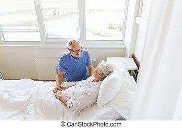 資深 夫婦, 會議, 在, 醫院沃德