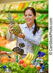 購買, ......的, 水果, 蔬菜, 在, the, 超級市場