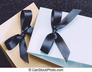贈り物, 愛, 無限