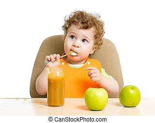 赤ん坊の食べること, 彼自身, ソース