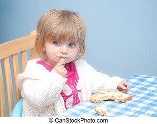 赤ん坊の食べること, bread, そして, バター