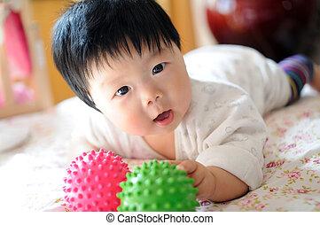 赤ん坊, アジア人