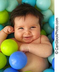 赤ん坊, 中に, ボール