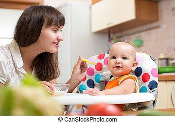 赤ん坊, 供給, 母, スプーン