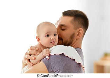 赤ん坊, 家, わずかしか, 父, 女の子