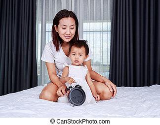 赤ん坊, 家, ベッド, 母