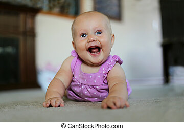 赤ん坊, 家, 女の子, 極度, 幸せに微笑する