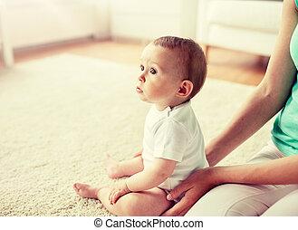 赤ん坊, 家, 小さい母