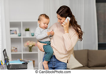 赤ん坊, 家, smartphone, 母, 呼出し
