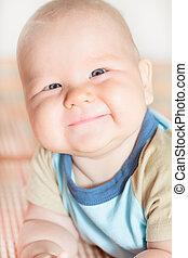 赤ん坊, 微笑
