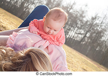 赤ん坊, 時間, 草, 母