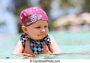 赤ん坊, 水泳