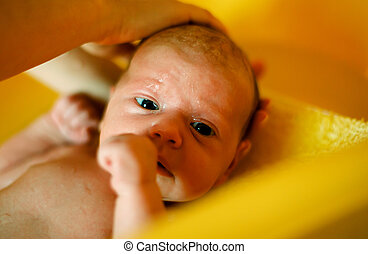 赤ん坊, 浴室