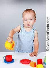 赤ん坊, 演劇との, おもちゃ, 中に, 青いドレス, 微笑