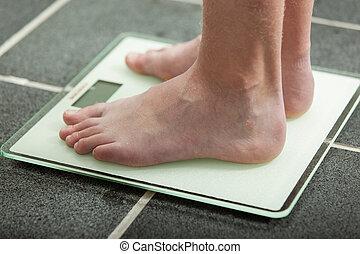 赤腳, 青少年男孩, 稱重量, 他自己