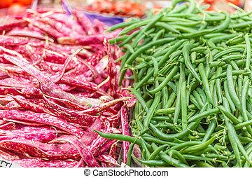 赤 と 緑, 豆