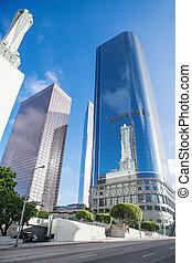 超高層ビル, に対して, 青い空, 中に, ダウンタウンに, の, loa, アンジェルという名前の人たち, カリフォルニア, アメリカ
