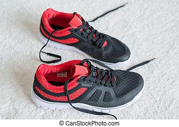 跑鞋, 由于, 紅色, 修剪, 套間, 上, 地板