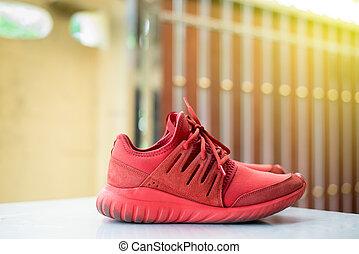 跑鞋, 紅色