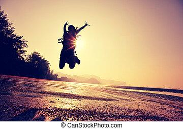 跳躍, 女, 元気づけること, ハイカー, 若い