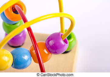 蹒跚行走, 难题, 创造性, 紫色, 概念, 反映, 游戏, 背景, 绿色, 球, 婴儿, 圈, 树木, 色彩丰富, 玩具, 想法, 白色, 算盘, 小珠, 技巧, 盘旋, 宏, 童年, 学问