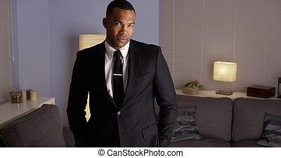 身に着けていること, ハンサム, 黒い 人, スーツ