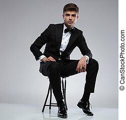 身に着けていること, モデル, タキシード, 確信した, 黒, セクシー, 人
