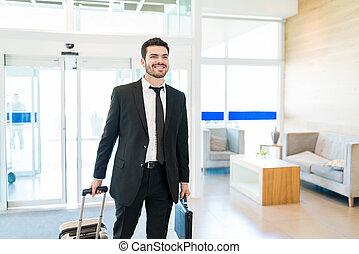 身に着けていること, ラテン語, ホテル, 入る, スーツ, ビジネスマン