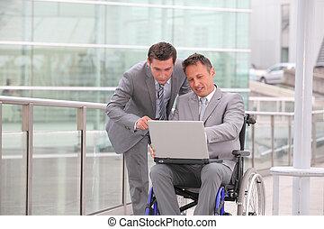車椅子, 旅行, ビジネス男