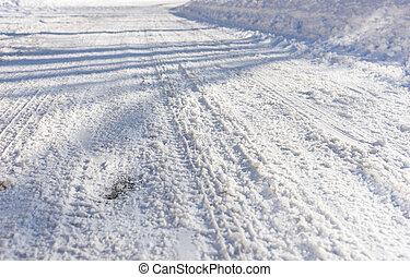 軌道に沿って進む, 背景, 雪, タイヤ