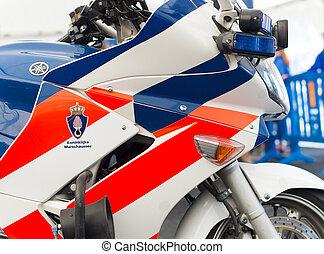軍, 警察, モーターバイク