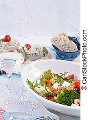 軽食, vegetables., サラダ, fish, エビ, ガラスワイン, 白ワイン, bread