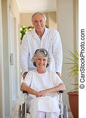 輪椅, 他的, 病人, 她, 醫生
