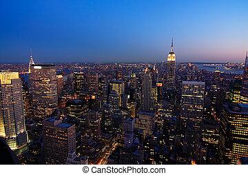 较低的曼哈顿, 在, 黄昏