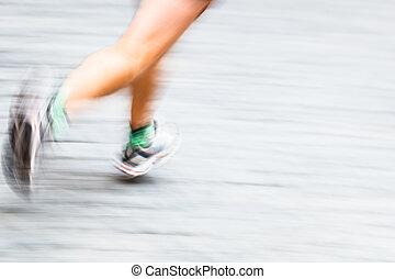 运动, 弄污, 跑的人` s, 脚, 在中, a, 城市, 环境