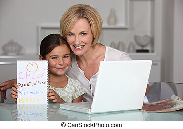 进餐, 笔记本电脑, 女儿, 房间, 妈妈
