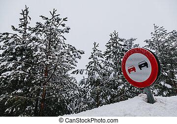 追い抜き, いいえ, 印, 道, 雪が多い